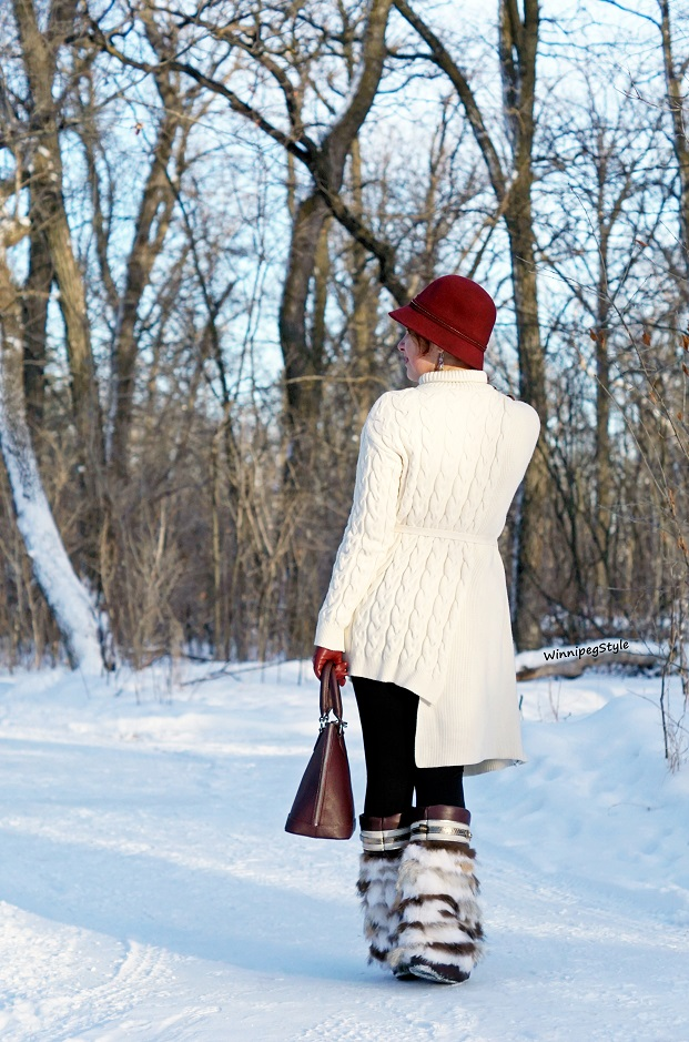 Winnipeg Style fashion consultant, stylist blog, Chicwish Asymmetrical ivory cream cable knit tunic sweater, Julie Pederson muckies moccasins handmade fur leather boots, Danier leather burgundy dome bag, winter 2018 Women's fashion, vintage retro style, Canadian