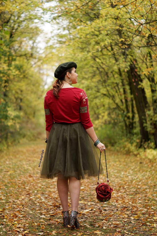 Winnipeg Style Fashion stylist, Canadian style blogger, April Cornell crimson red Hobo girl patches patched t shirt top, Chicwish green tulle skirt, Mary Frances red rose beauty and the beast bag purse, Chie Mihara Normand stained glass patent leather suede print shoes, vintage style, fall leaves 2018
