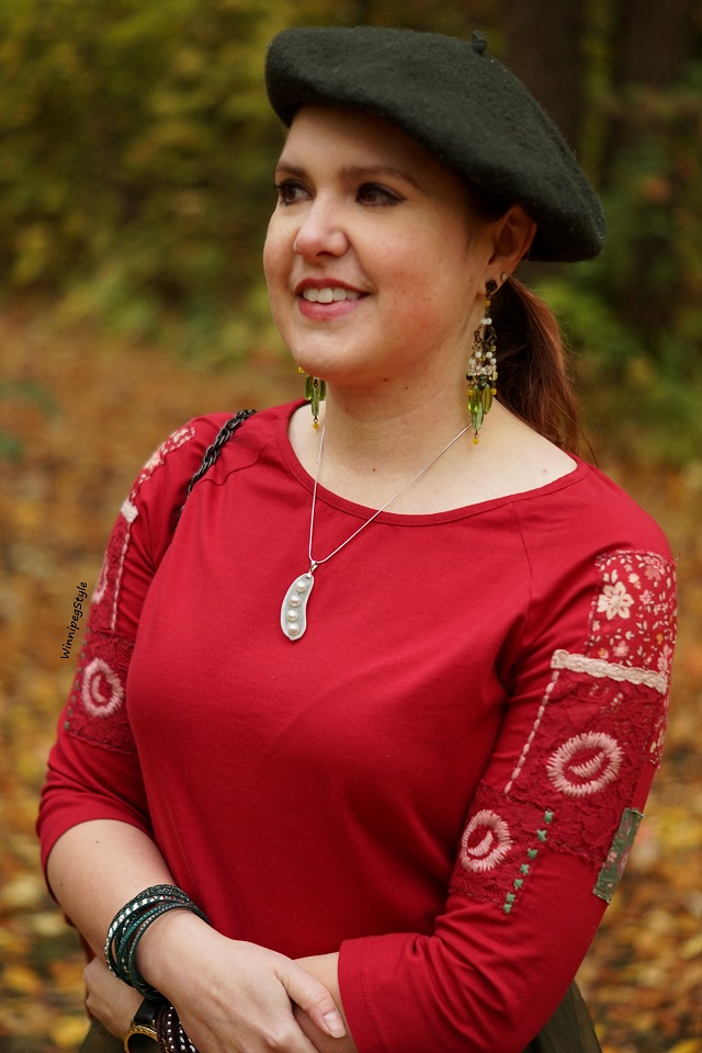 Winnipeg Style Fashion stylist, Canadian style blogger, April Cornell crimson red Hobo girl patches patched t shirt top, Green jade peas in a pod necklace, Joan Rivers green beaded dangle earrings vintage style, fall leaves 2018