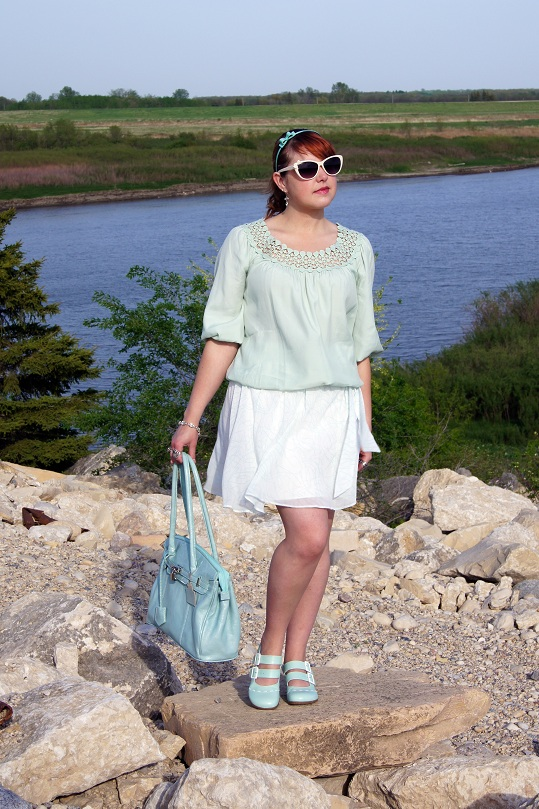 Winnipeg Fashion blog, Mint Max Studio Blouse, Retro white Ardene sunglasses, Mint white Moon swirl skirt, Mint leather Red Carpet Collection satchel handbag purse, Mint Forever 21 bow headband, Mint Operetta fiorenza leather slingback shoe
