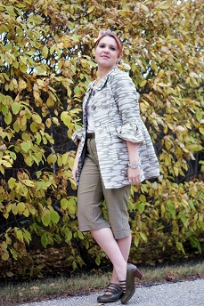 Everyday Outfit for September 19, 2012, Mac & Jac green beige nide printed puff sleeve jacket blazer, Mac & Jac olive green capris, Reitmans beige tshirt, Fluevog olive green Operetta Illeana